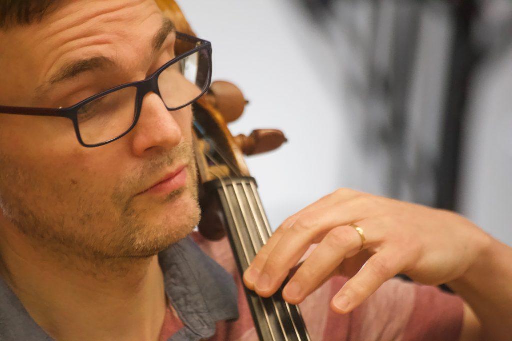 Adrian Bradbury - Cello